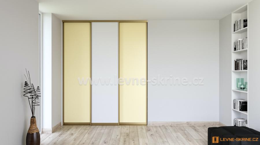 Vestavěná skříň třídveřová Vanilka a Bílá Briliant