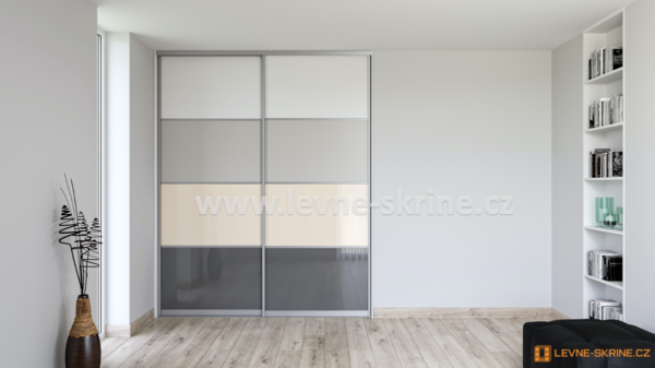 Vestavěná skříň dvoudveřová 4x dělené dveře