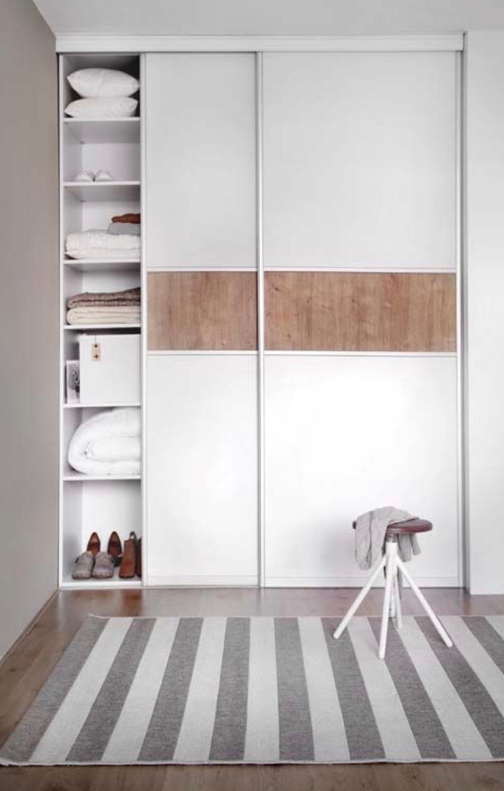 Vestavěná skříň z pohodlí domova? Použijte online plánovač